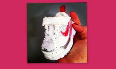 Τα πρώτα παπουτσάκια της… (φωτό)