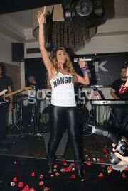 Σε ποια  τραγουδίστρια ανήκει το… «Hangover»;
