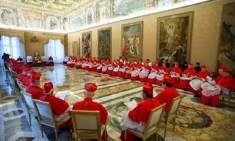 «Σε πρώτο πλάνο» η εκλογή του νέου Πάπα