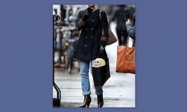 Ηθοποιός βγήκε από sex shop με ένα κρανίο στην τσάντα της