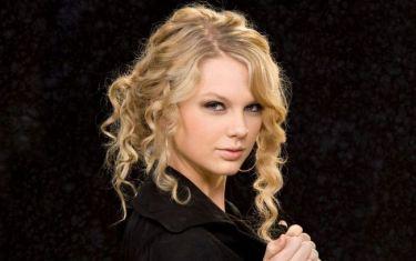 Δε θα πιστεύετε πόσα χρήματα έβγαλε το 2012 η Taylor Swift