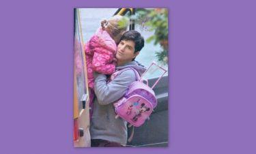 Σάκης Ρουβάς: Με την τσάντα Μίνι Μάους και την… Αναστασία!