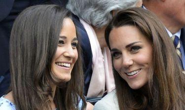 Δείτε τις Kate και Pippa Middleton, όταν έγιναν παρανυφάκια το 1993