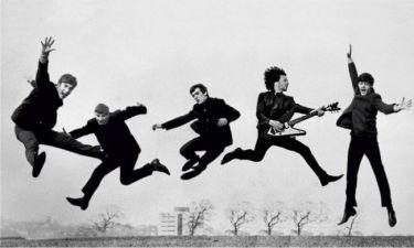 Στο σφυρί η κιθάρα των Beatles