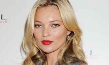 Kate Moss: Κορμί λαμπάδα η σέξι μανούλα και αποκαλύπτει την διατροφή της!