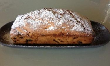 Ποια παρουσιάστρια έφτιαξε κέικ με συνταγή του Άκη Πετρετζίκη;