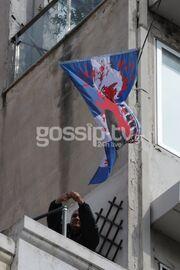Απίστευτο περιστατικό! Συνέλαβαν τον Δημήτρη Κολλάτο επειδή ύψωσε την Ελληνική σημαία που την πατά Γερμανική μπότα