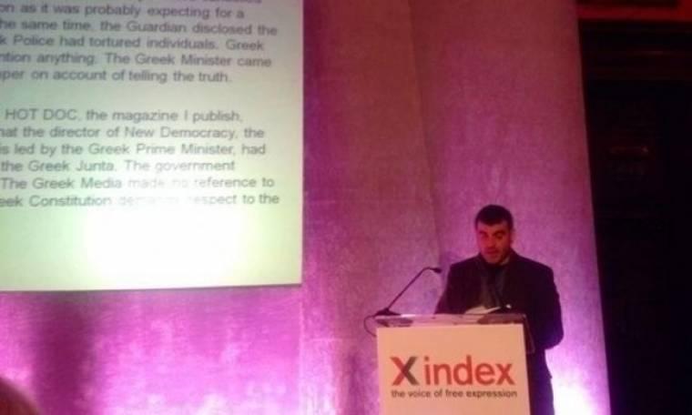 Κώστας Βαξεβάνης: Βραβεύεται εκτός συνόρων για την ελεύθερη έκφραση