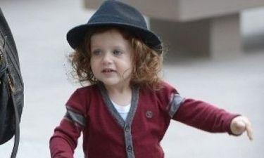 Αυτό είναι το πιο όμορφο μωρό στο Hollywood: Μαντεύετε τη διάσημη μαμά του;