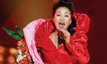 Η σοπράνο και πρώτη κυρία της Κίνας βαδίζει στα χνάρια της Μισέλ Ομπάμα
