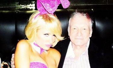 Paris Hilton: Σα πασχαλινό λαγουδάκι πόζαρε δίπλα στον Hugh Hefner