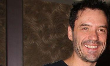 Θάνος Καλλίρης: Έξαλλος με τα δημοσιεύματα που τον θέλουν να κάνει έξωση στην πρώην γυναίκα και τα παιδιά του