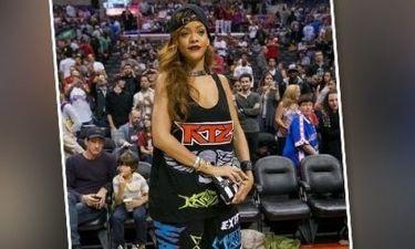 Η Rihanna στην πιο κακόγουστη εμφάνιση του μήνα