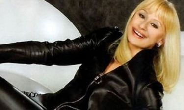 Raffaella Carra: Η δυναμική επιστροφή της μεγάλης ντίβα