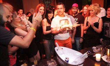 Μάνος Κατσαμπούρης: Γιόρτασε τα γενέθλιά του με καλούς του φίλους