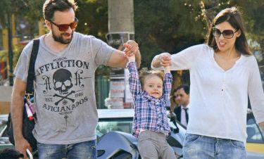 Λιανός – Ανδοτσάκη: Βόλτα με την μικρή τους πριγκίπισσα!