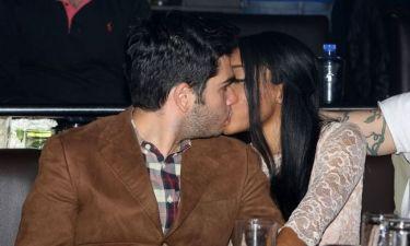 Χρήστος Μάστορας – Courtney Parker: Βγήκαν στα μπουζούκια και άρχισαν τα φιλιά!