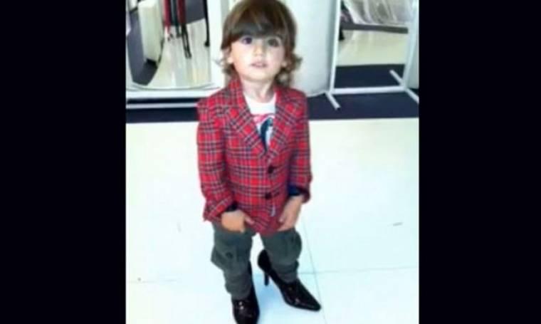 «Ο γιος μου περπατά καλύτερα από μένα φορώντας τακούνια!» (Ποια το είπε;)