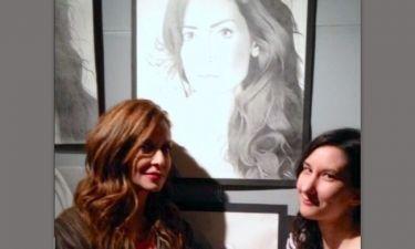 Η Άννα Βίσση στην έκθεση ζωγραφικής της Χαράς για να δει τα πορτρέτα της!