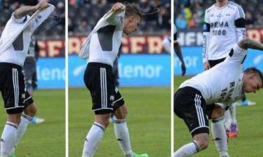 Δείτε: Παίκτης έσκισε τη φανέλα του και τον... κοροϊδεύουν!
