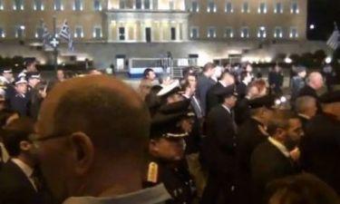 Λαϊκό κράξιμο σε πολιτικούς στον Επιτάφιο της Αθήνας
