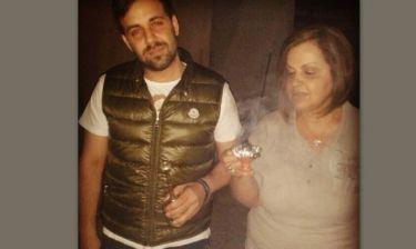 Γιώργος Γιαννιάς: Με την μητέρα του στον Επιτάφιο στην Ρόδο
