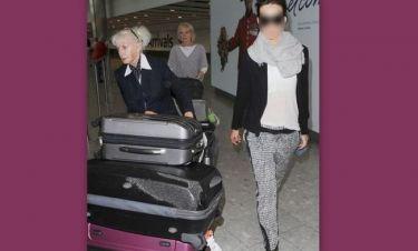 Ποια σταρ άφησε μια ηλικιωμένη κυρία να κουβαλά τις βαλίτσες της;