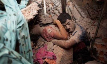 Η αγκαλιά στα ερείπια που κάνει τον γύρο του κόσμου!