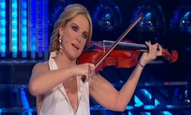 Η Μαρία Μπεκατώρου δανείστηκε το βιολί του Ρίμπακ!
