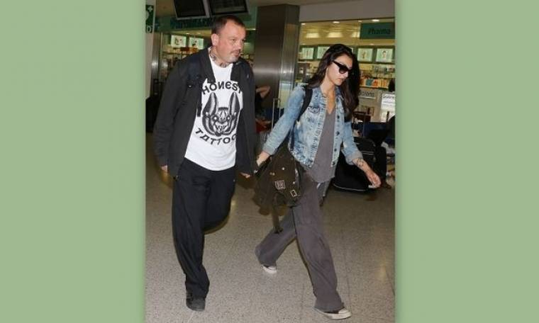 Δημήτρης Σκαρμούτσος: Με την αγαπημένη του στο αεροδρόμιο
