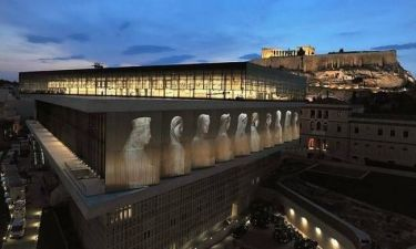 Οι Βρετανοί «υποκλίνονται» στο Μουσείο της Ακρόπολης