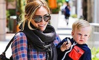 Hilary Duff: «Όλες οι μαμάδες χρειάζονται χρόνο για τον εαυτό τους»