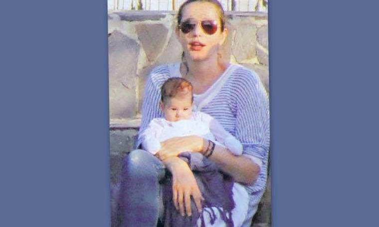 Κάτια Ζυγούλη: Για πρώτη φορά αγκαλιά με την νεογέννητη κόρη της!