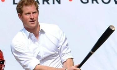 Άσσος στο μπέιζμπολ ο πρίγκιπας Harry!