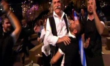 Eurovision 2013: Ο Κόζας σήκωσε στα χέρια τον Αγάθωνα!