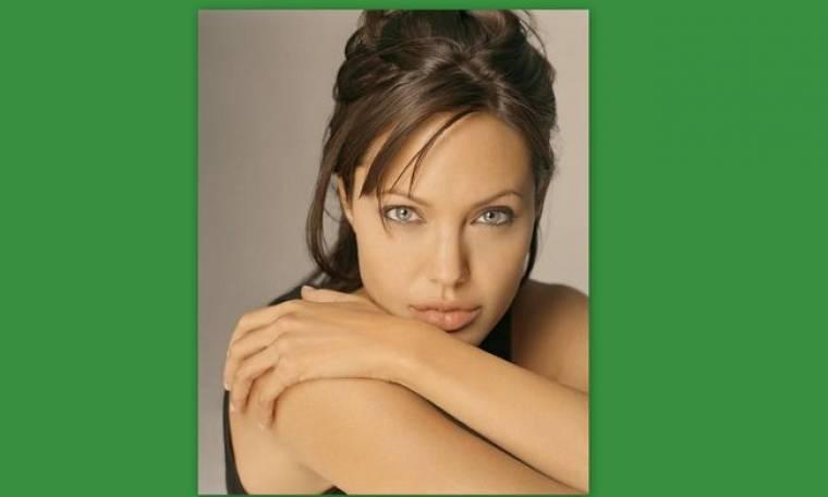 Σοκάρει η χειρουργός της Jolie: «Τέσσερις μέρες μετά τις μαστεκτομές, άρχισε δουλειά»