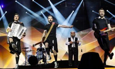 Λεπτό προς λεπτό ο αποψινός τελικός στο gossip-tv.gr: Τι θα δούμε στη σκηνή της Eurovision το βράδυ!