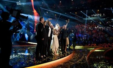 Eurovision 2013: Στα παρασκήνια του διαγωνισμού λίγο μετά το τέλος του – Η ελληνική αποστολή και η Ελληνίδα που βρέθηκε στο πλευρό της νικήτριας