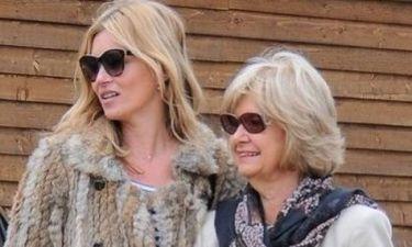 Kate Moss: Η έξοδος με τα πεθερικά της