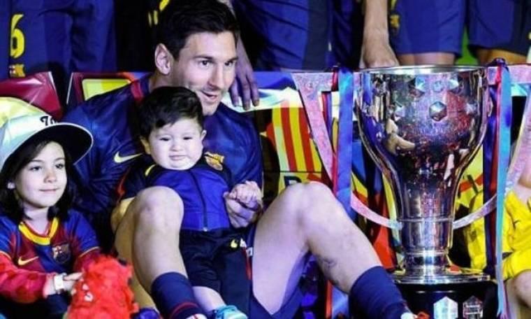 Μπαρτσελόνα: Μαζί με τον γιο του στα πανηγύρια ο Μέσι (videos)
