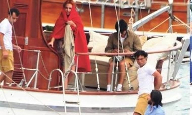 """Οι χλιδάτες διακοπές της Χουρέμ και το """"κρυφτό"""" με τους παπαράτσι!"""
