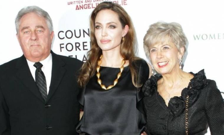 Το συγκινητικό μήνυμα της μητέρας του Pitt για τη διπλή μαστεκτομή της Jolie!
