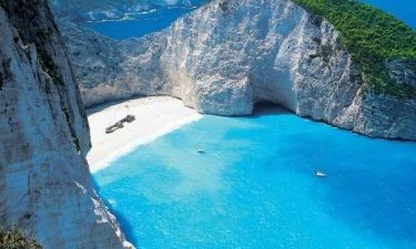 Πεντακάθαρες οι ελληνικές θάλασσες
