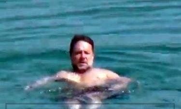 Οι απλωτές του Russell Crowe στην Μύκονο πριν φύγει για Τουρκία
