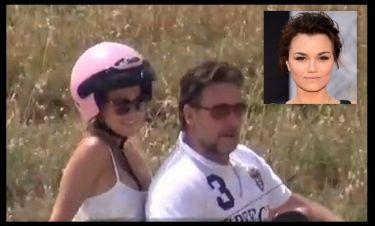 Τα ελληνικά media έκαναν τον Russell Crowe να απολογηθεί στην αγαπημένη του Samantha Barks!