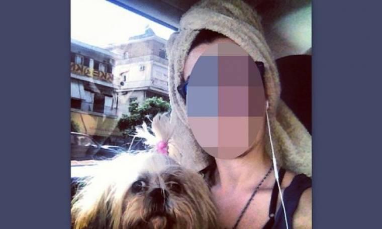 Γνωστή παρουσιάστρια με πετσέτα στο κεφάλι μέσα στο αυτοκίνητο!