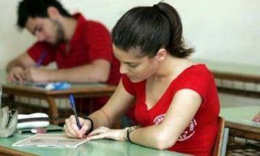 Πανελλήνιες 2013: Μαθήτρια κατέρρευσε μέσα στην αίθουσα των εξετάσεων