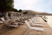 YOLO: Beach-Club-Restaurant