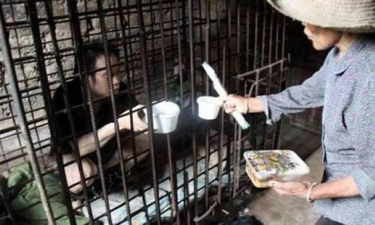 Κρατούσαν ψυχασθενή επί 11 χρόνια φυλακισμένο σε κλουβί