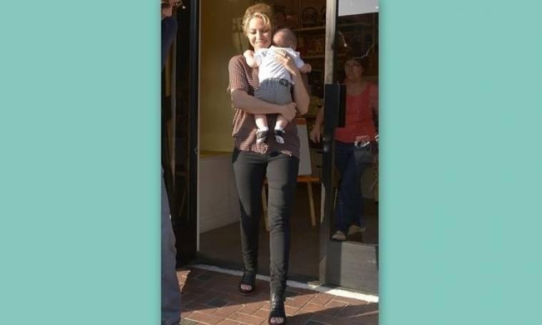 Η Shakira σε τρυφερές στιγμές με τον γιο της